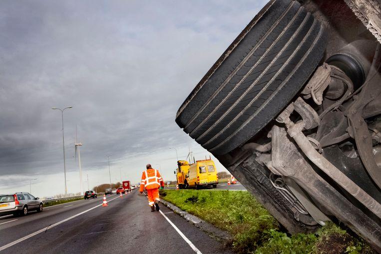 Een fout die tot een ongeval heeft geleid wordt als ernstiger beoordeeld dan exact dezelfde fout bij een goede afloop. Beeld Maarten Hartman