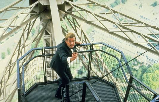 Roger Moore als James Bond in A View To A Kill.