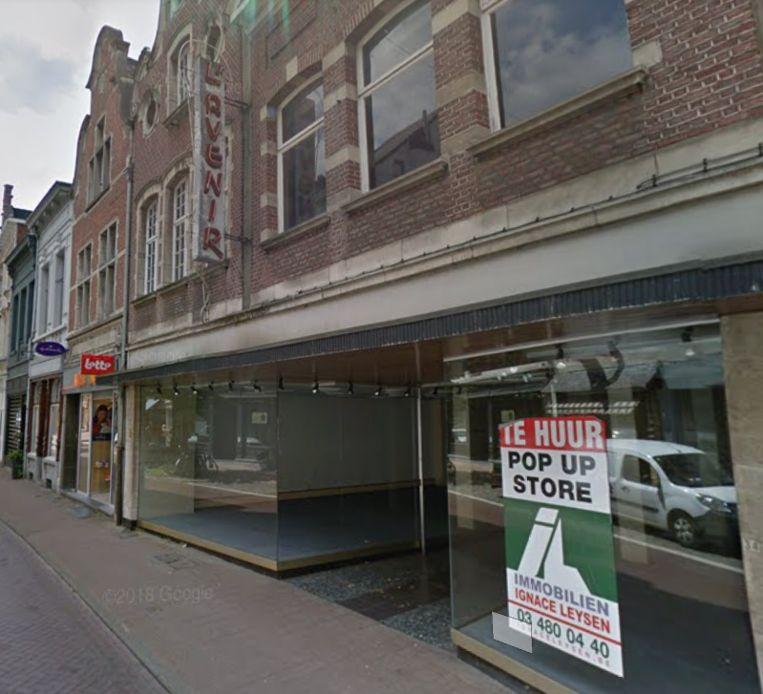 De vroegere L'Avenir winkel wordt een tijdelijke kunstgalerij.