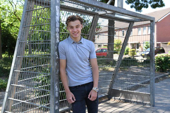 Jacco is jong en woont in Zundert. Op dit pleintje voetbalt hij vaak met zijn vrienden.