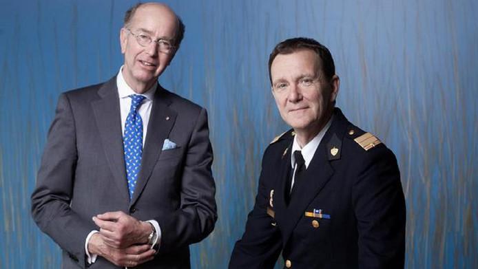 Leen Schaap en burgemeester van Amstelveen Bas Eenhoorn.