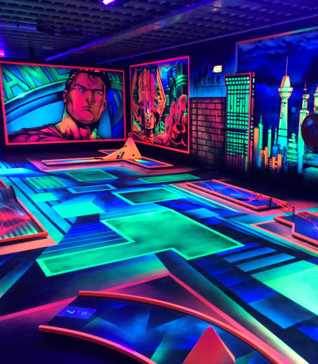 Van der Ende Racing Inn introduceert eerste 3D glow in the dark minigolf