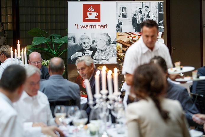 Tijdens een benefietdiner is de naam onthuld van de restaurants van Avoord in Etten-Leur. Het gaat 't Warm Hart heten.