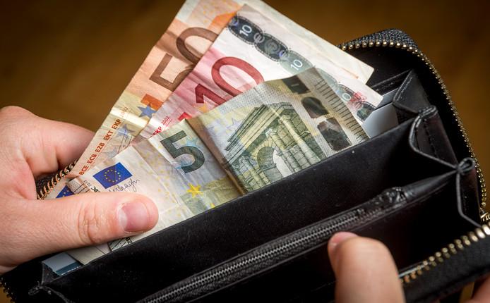 De echtheid van de eurobiljetten is eenvoudig vast te stellen.
