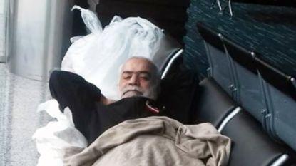 Nizam (56) reisde naar Ecuador, nu zit hij al 42 dagen vast in de luchthaven