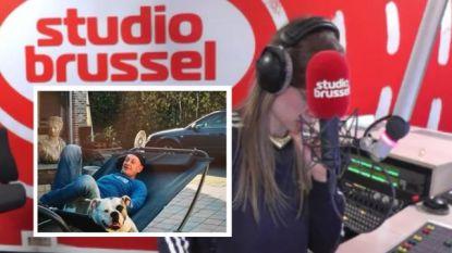 """""""Mijn papa verlaat vandaag de wereld"""": Luca (22) neemt emotioneel afscheid op Studio Brussel"""