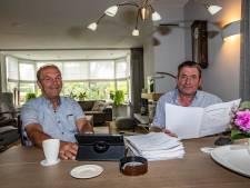 Wijhenaren Dick en Bert klussen in Letland al 25 jaar voor kinderen: 'We appen en mailen nog steeds met Kokkie'