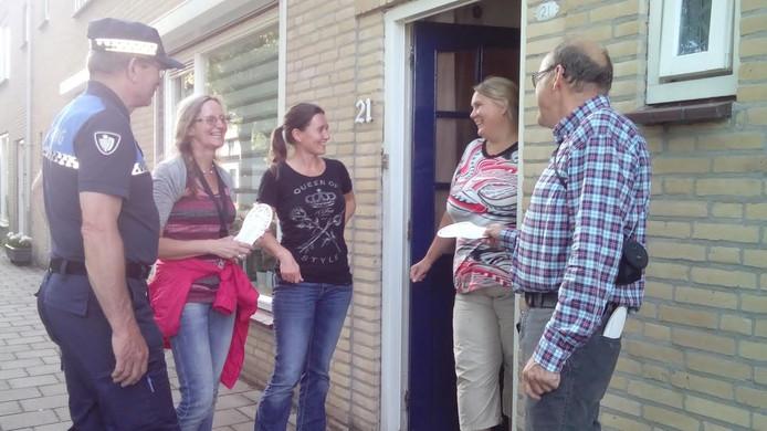 Bij meerdere mensen werd aangebeld om ze te wijzen op open deuren of ramen.