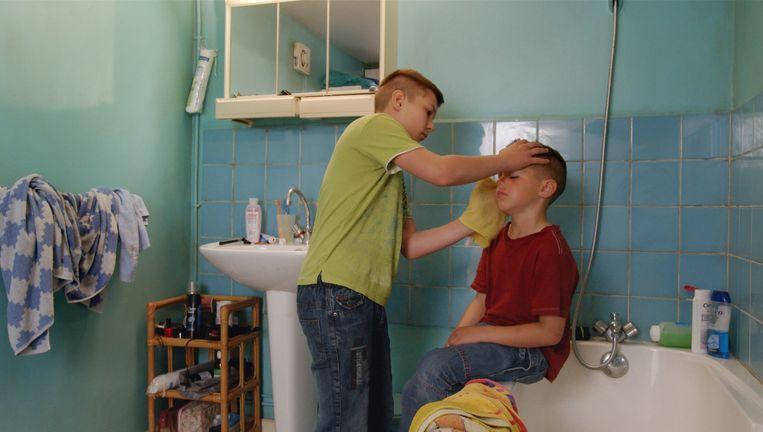 Jimmy en zijn broertje in Une enfance. Beeld