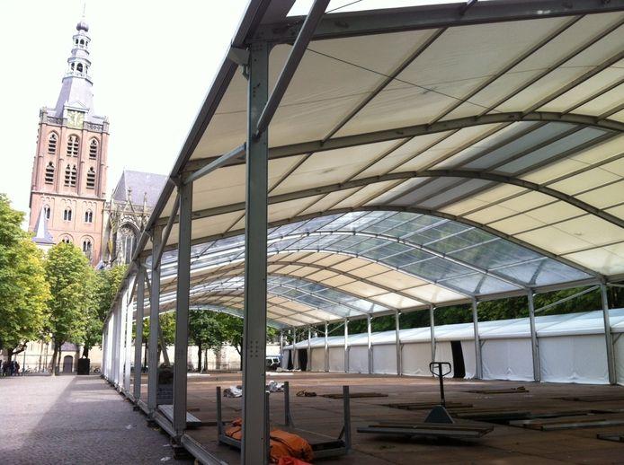Artibosch in tenten Bourgondisch | Foto | bd.nl