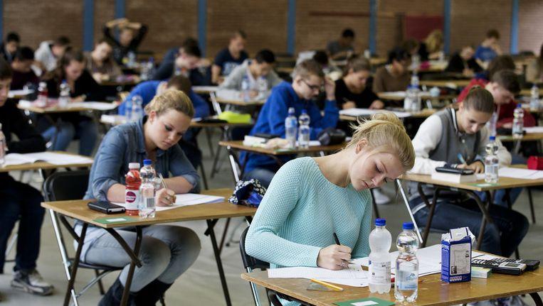 Leerlingen tijdens het examen VWO Nederlands in 2014. Beeld anp