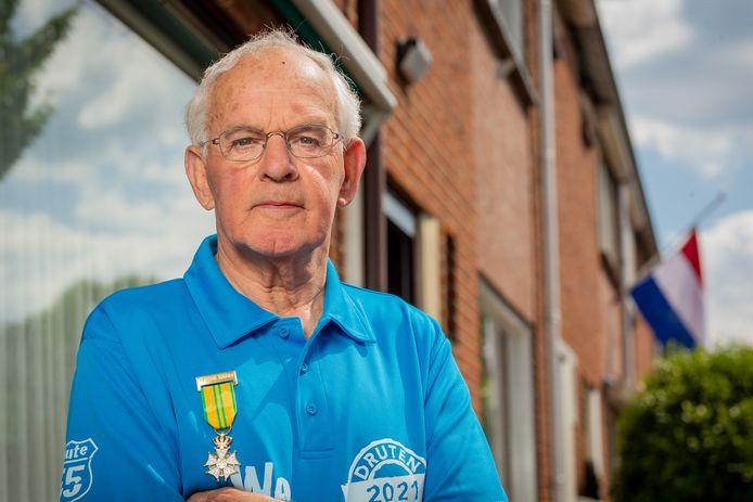 Vierdaagsewandelaar Theo Robben (80) uit Deest: laat Vierdaagse al het inschrijfgeld houden.