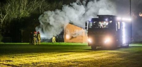 Acculader veroorzaakt grote brand in Somerse caravanstalling