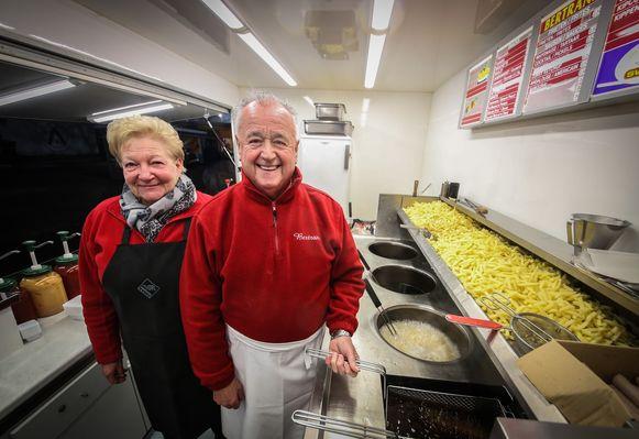 Bertrand en zijn vrouw Jeannine Decock hielden vijftig jaar lang frituur Bertrand open.