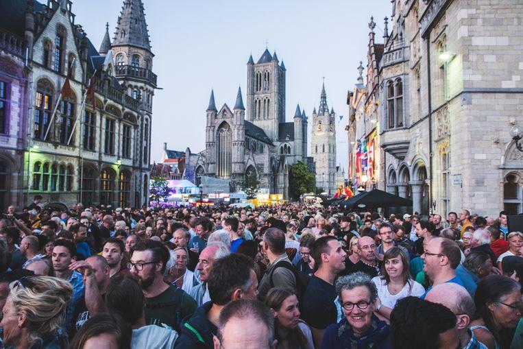 Het wordt steeds drukker in Gent, en niet alleen tijdens de Gentse Feesten. Steeds meer mensen willen in Gent wonen.