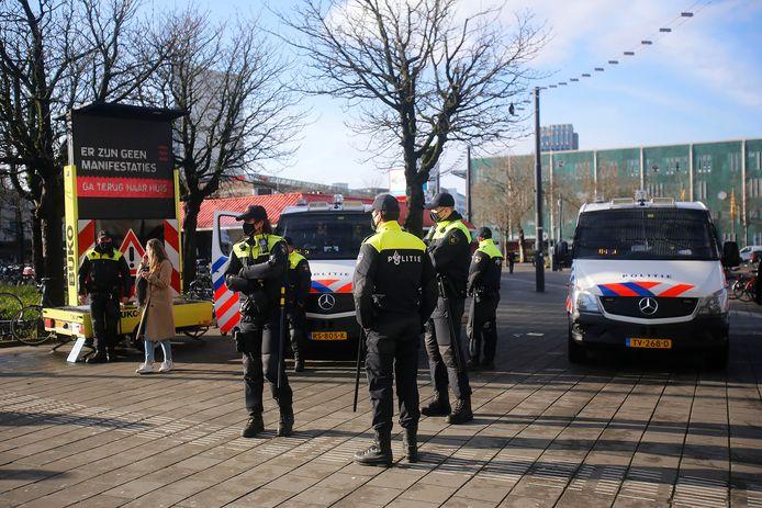 Politie in het centrum van Eindhoven.