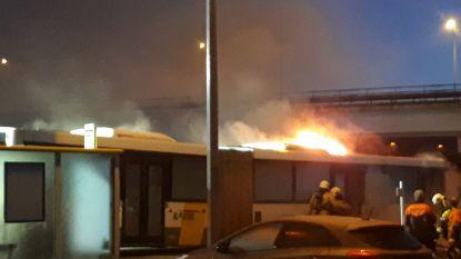 Lijnbus vat plots vuur, niemand raakt gewond