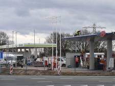 Een gek gezicht: zes tankstations op paar kilometer van elkaar in een klein dorp