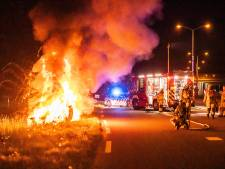 Brandende auto met 250 km over de A1, crasht bij Eembrugge