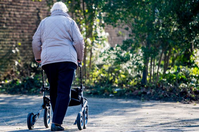 Arme inwoners van de gemeenten Voorst, Rijssen-Holten, Hellendoorn en Raalte kunnen zich verzekeren voor de eigen bijdrage voor gemeentelijke hulp(middelen) en zorg, zoals een rollator.