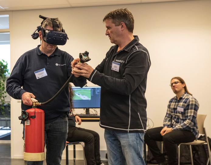 Oefenen met brandjes blussen kan nu ook met virtual reality.