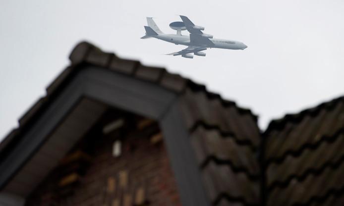 Het conflict ontstond tijdens een reportage over bewoners die geluidsoverlast ervaren door AWACS-vliegtuigen van de nabijgelegen NAVO-basis.