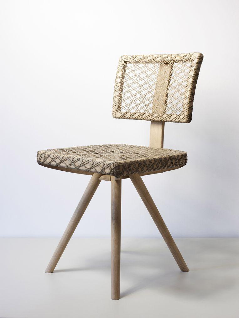 Een stoel van Jonghlabel Beeld -