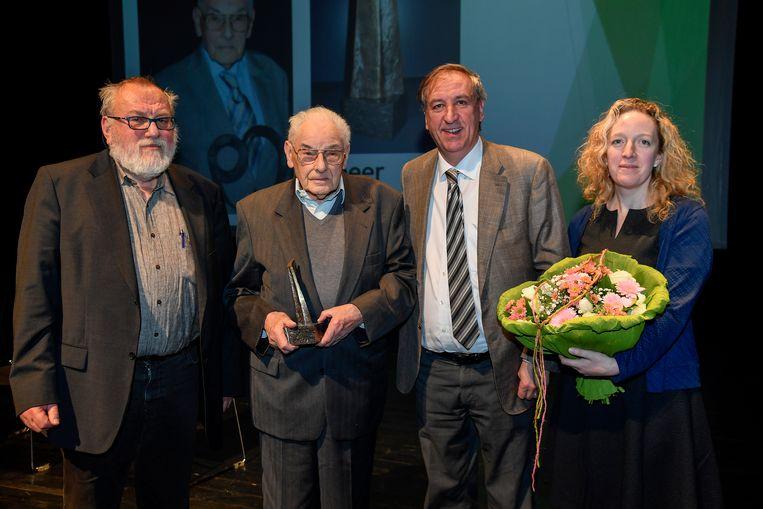 Etienne Quintyn (tweede van links) ontving in maart nog de Cultuurprijs van 2017.