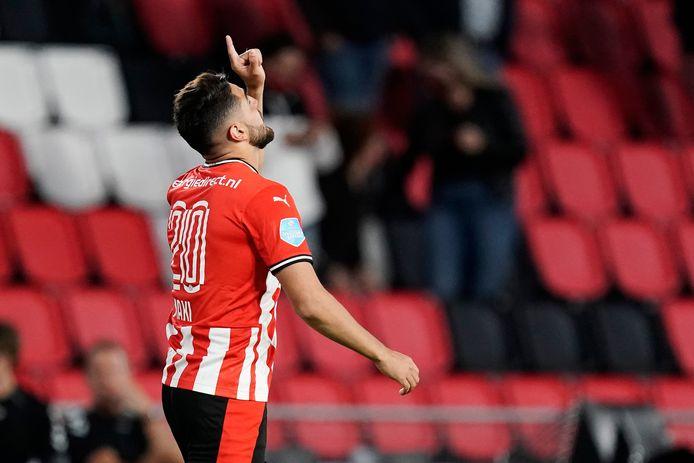 Maximiliano Romero is blij na zijn 2-1 tegen FC Emmen.