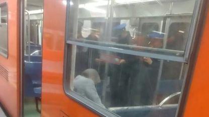 Man sterft op de metro, en niemand die het merkt