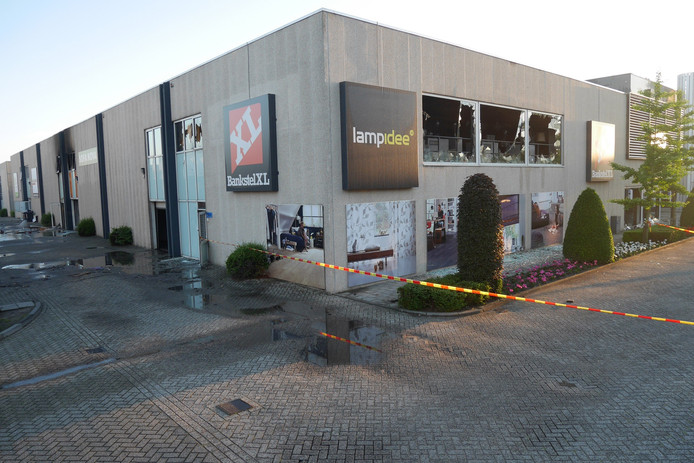 Eigenaar sofa nova: schade brand woonboulevard breda loopt in de