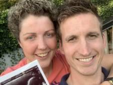 Nieuwsoverzicht | Mensen in rij voor corona-teststraat lastiggevallen door activisten - Steffi en Roel verwachten eerste kindje