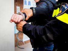Man met taser en mes op zak gearresteerd op Mereveldplein in De Meern