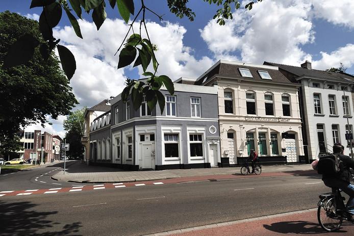 In dit pand aan de Stationsstraat in Roosendaal was in de jaren '90 coffeeshop Galaxy gevestigd. Saïd C. zou hier zijn eerste drugskapiaal hebben verdiend.