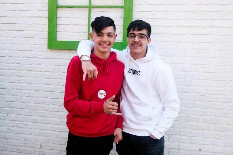 Mohamed en Ali steunen de actie en lieten één van hun nagels roze lakken.