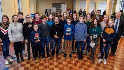 Oscar Romerocollege beloont laureaten gedichtenwedstrijd