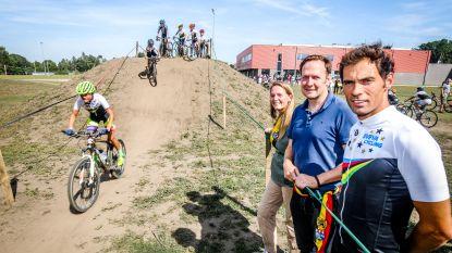 Bondscoach Sven Vanthourenhout opent cyclocrossparcours in eigen gemeente