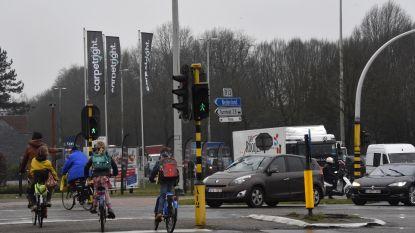 Kruispunt Parklaan-Graatakker krijgt weer een streepje bij op de zwarte lijst: voetgangster gewond