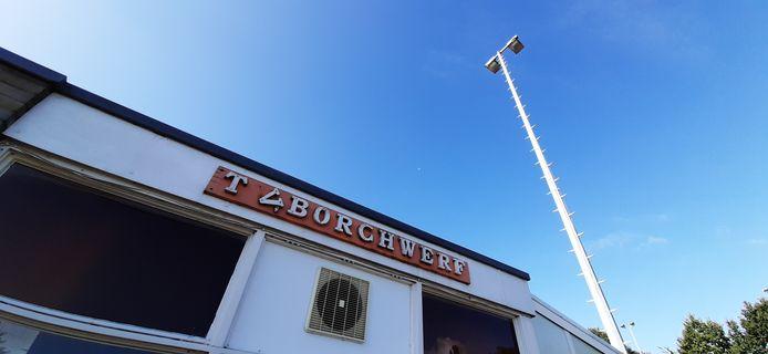 TV Borchwerf op industrieterrein Borchwerf in Roosendaal in verval.