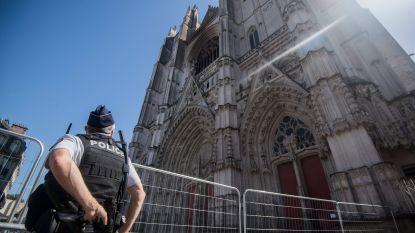 Vrijwilliger (39) bekent brandstichting in kathedraal van Nantes