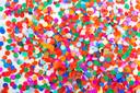 Papieren confetti is minder een probleem, vinden milieubeschermers.