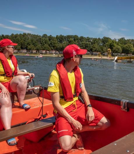 Lifeguards Prinsenmeer vrezen extreme drukte niet: 'Zodra wij zien dat ze het moeilijk hebben zijn we extra alert'