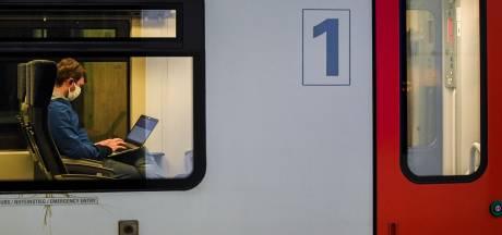 Un train avec 600 personnes à bord à l'arrêt pendant deux heures près de Bruxelles