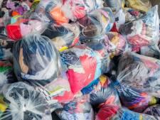 Textielzakken blijven op straat staan: ophaaldienst failliet