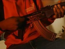 Rapper krijgt taakstraf voor showen van wapens in videoclip: 'Verheerlijking geweld is onacceptabel'