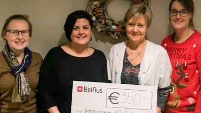 Roze Zumba brengt 350 euro op voor Borstcentrum AZ Oudenaarde