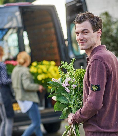 Door corona brengt de chef-kok in Oss nu bloemen rond: 'Je moet in deze tijd flexibel zijn'