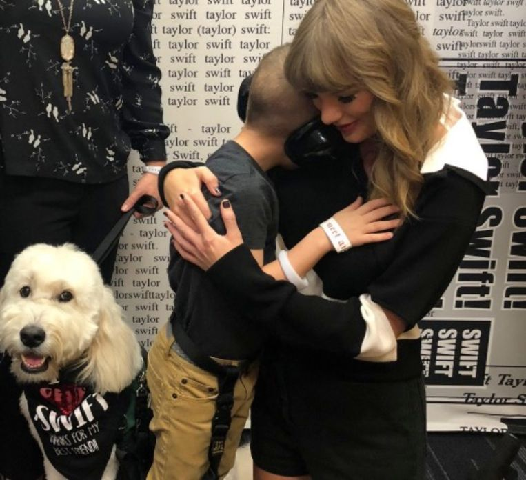 Taylor Swift verrast autistisch jongetje.