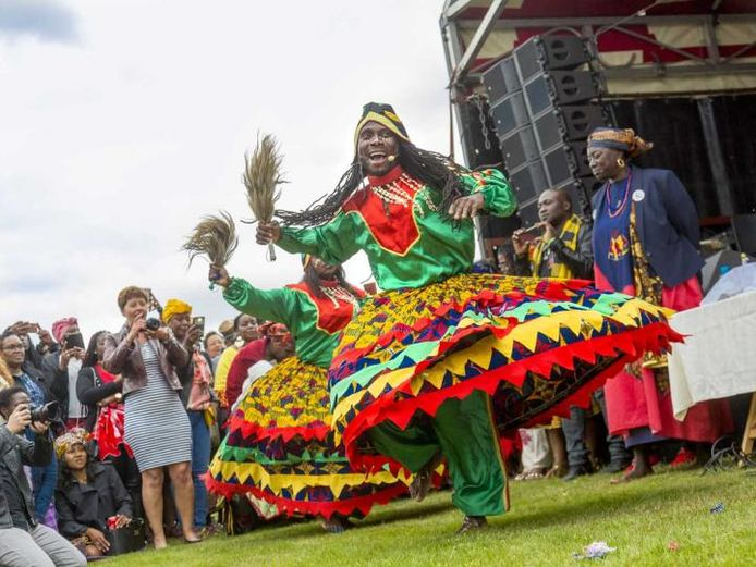 Beeld van het  Keti Koti Festival bij het Afrika Museum in Berg en Dal.