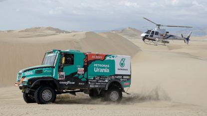 Averij voor Belgische Dakar-deelnemers: opgave, startverbod en 300 kilometer door de duinen zonder voorruit